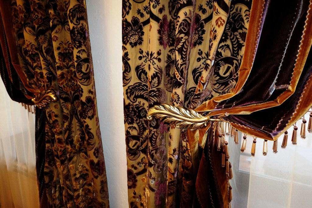 Дворцовые шторы из велюра и бархата